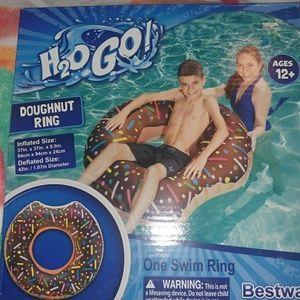 NEW🎀chocolate glaze donut pool floaty 🍩